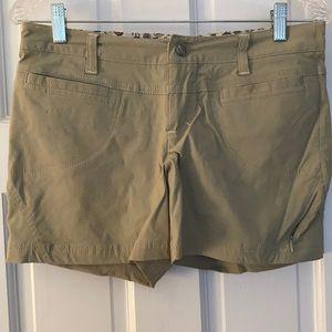 Athleta Dipper Shorts (5 inch)-Sage Green